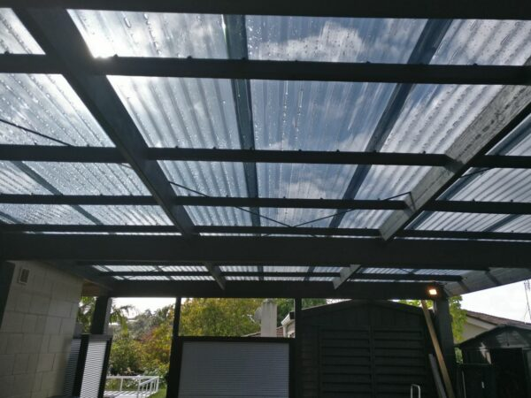 Grey polycarbonate roof NZ by Sunnyside clear roofing