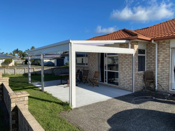Outdoor sun shade and roll up blinds from Sunnyside